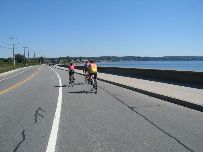 Mari Charlie & Vinne on the NE tip of Newport Is
